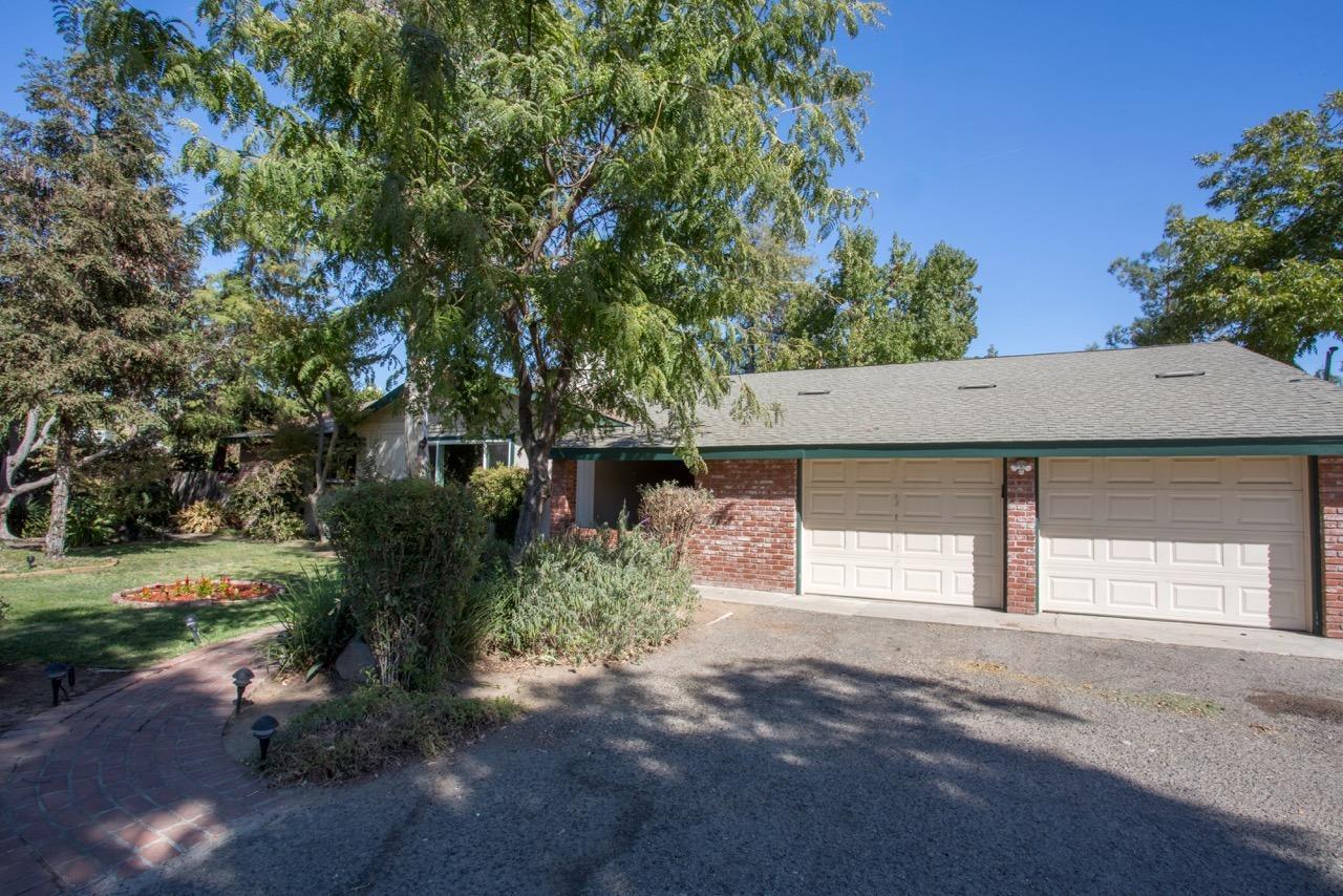 5552 N Ferger Avenue, Fresno, CA 93704