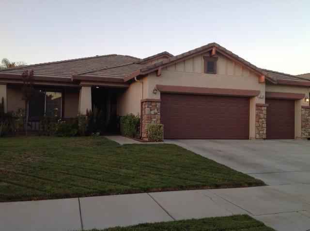3218 W Vine Ave, Visalia, CA 93291