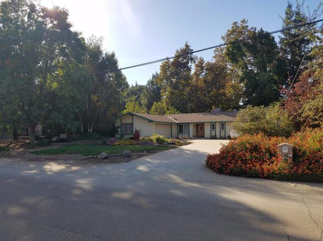 303 Wilderness Dr, Sanger, CA 93657