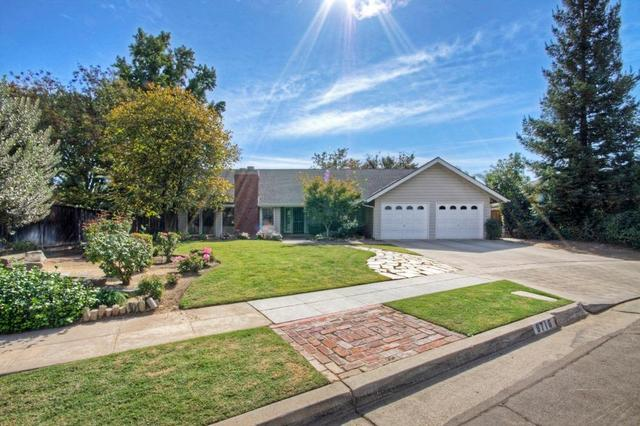 8716 N Amy Ave, Fresno, CA 93720