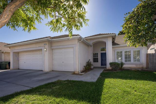 4427 W Celeste Ave, Fresno, CA 93722
