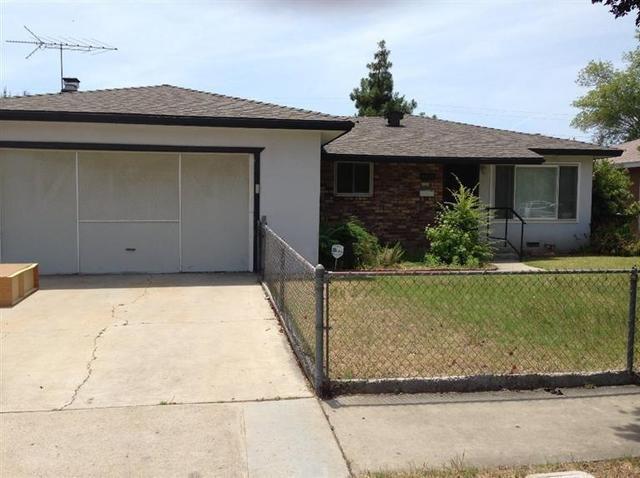 4454 E Gettyaburg Ave, Fresno, CA 93726