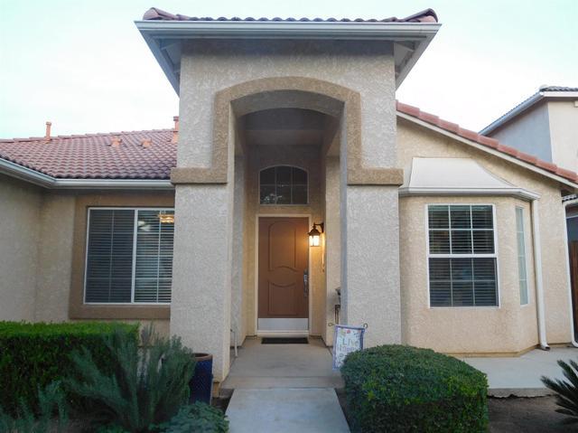 8042 N Paula Ave, Fresno, CA 93720