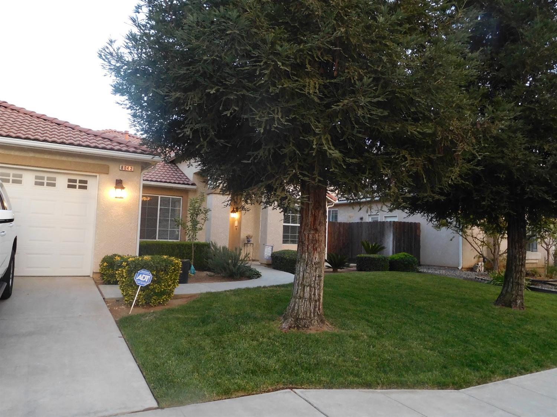 8042 N Paula Avenue, Fresno, CA 93720