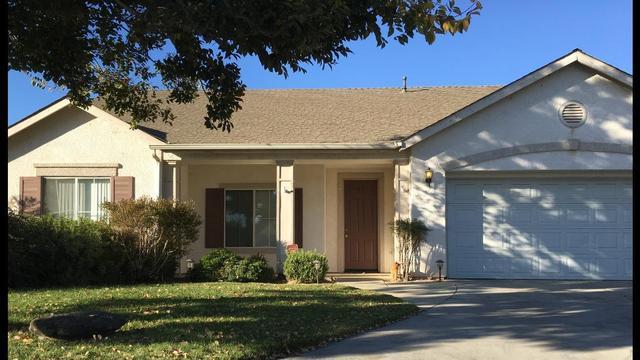 467 W Lindquist St, Kingsburg, CA 93631