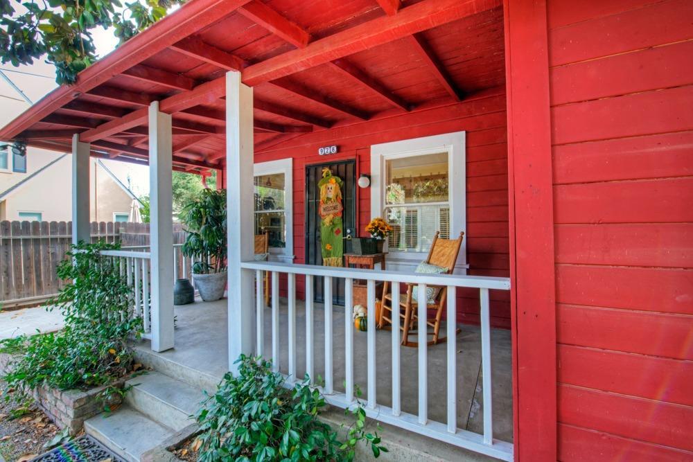 928 N Echo Avenue, Fresno, CA 93728