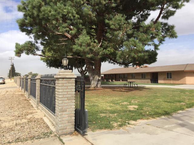 11866 S Bryan Ave, Caruthers, CA 93609