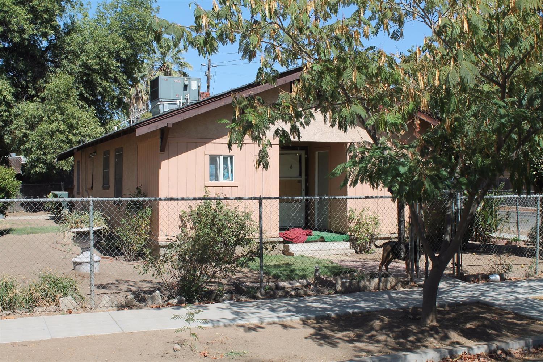 1043 E Brown Avenue, Fresno, CA 93704