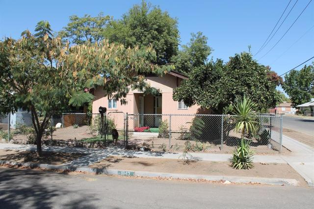 1043 E Brown Ave, Fresno, CA 93704