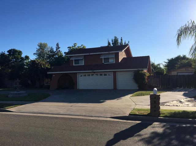 82 N Peach Ave, Clovis, CA 93612