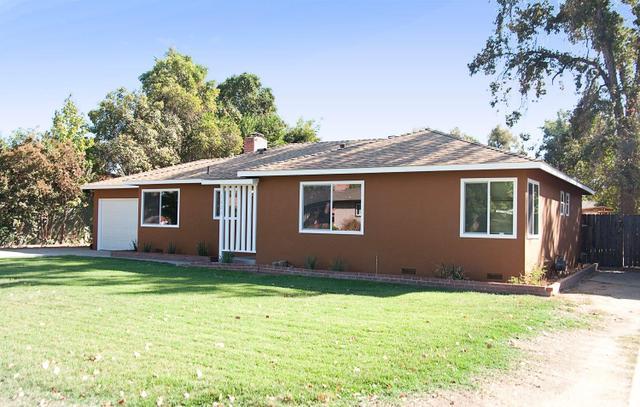 1421 W Feemster Ave, Visalia, CA 93277