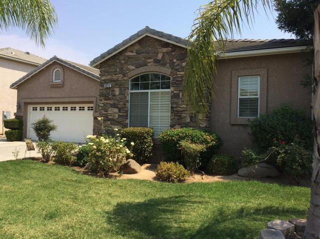 8022 N Paula Ave, Fresno, CA 93720
