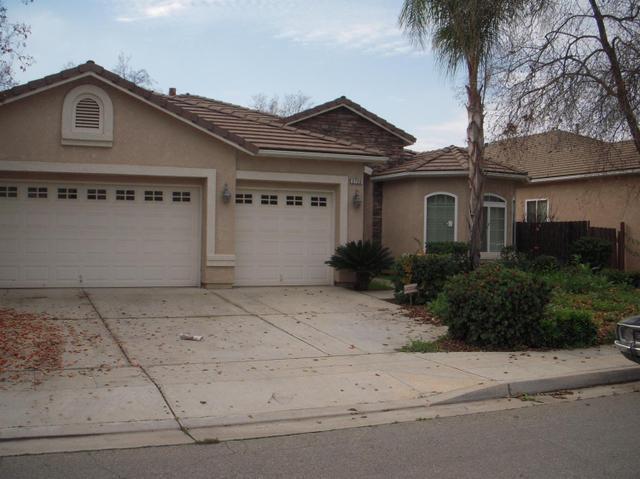2720 Goshen Ave, Clovis, CA 93611