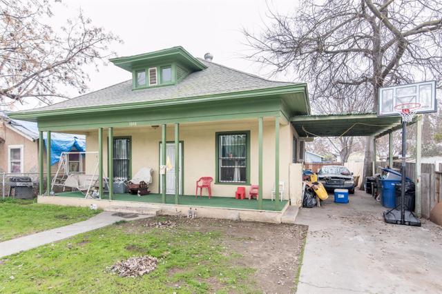 3848 E Mckenzie Ave, Fresno, CA 93702