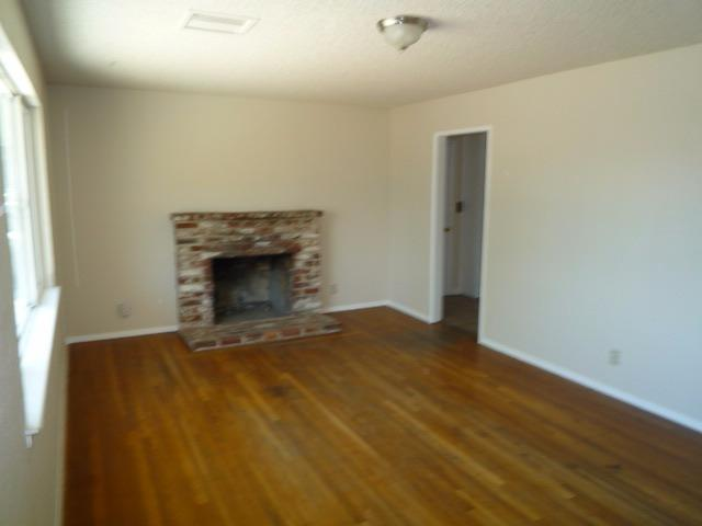 3937 N Woodson Avenue, Fresno, CA 93705