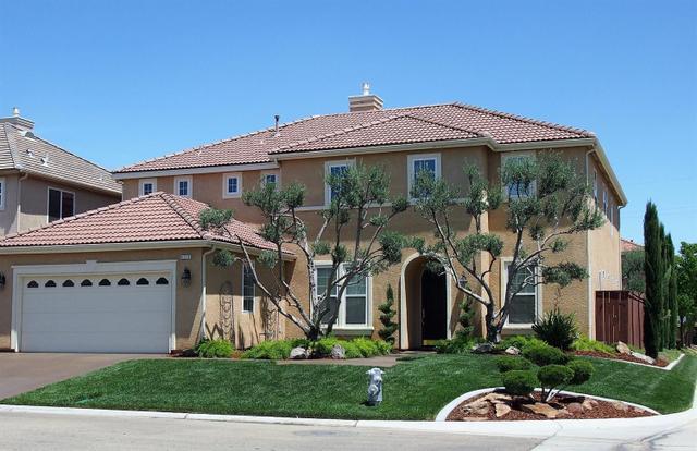 4110 N Creekbend, Clovis, CA 93619