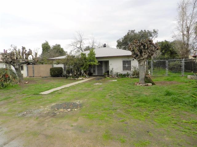 3682 W Floradora Ave, Fresno, CA 93722