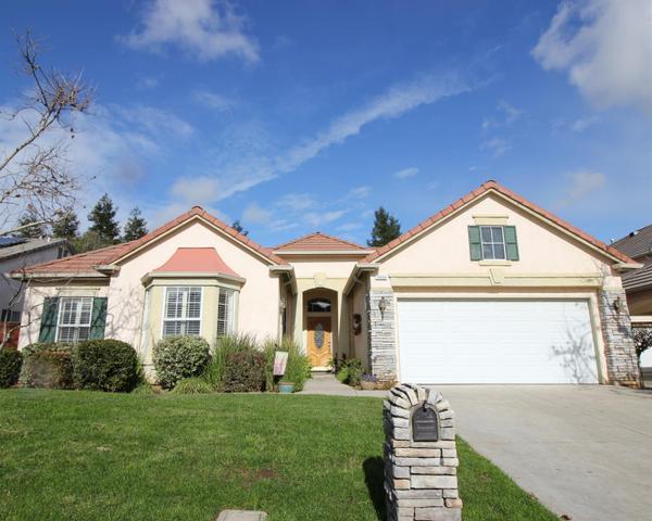 10404 E Fieldstone Ave, Clovis, CA 93619