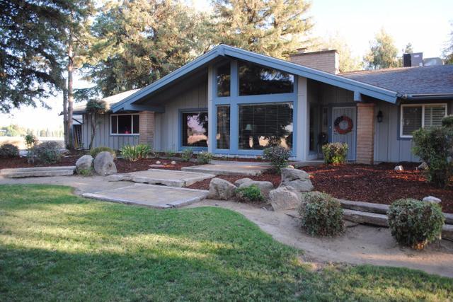 8151 E Herndon Ave, Clovis, CA 93619