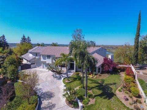 406 W Bluff Ave, Fresno, CA 93711