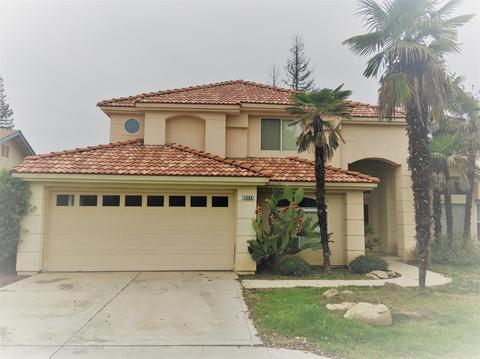 1588 E Muncie Ave, Fresno, CA 93720