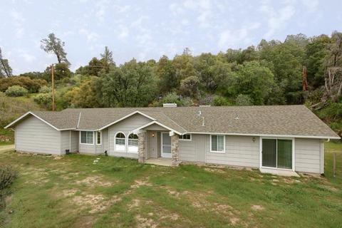 39263 Thornberry Mountain View Ct, Oakhurst, CA 93644