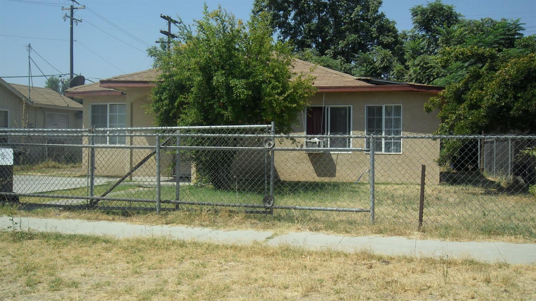 2492 S Price Ave, Fresno, CA 93725