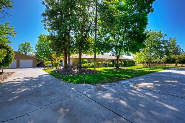 7918 N Highland Ave, Clovis, CA 93619