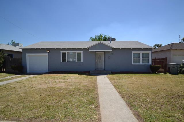 4864 E Illinois Ave, Fresno, CA 93727