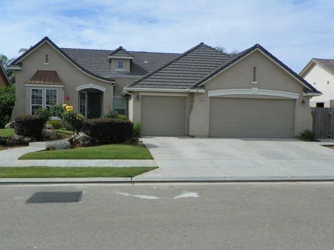 3314 Rall Ave, Clovis, CA 93619