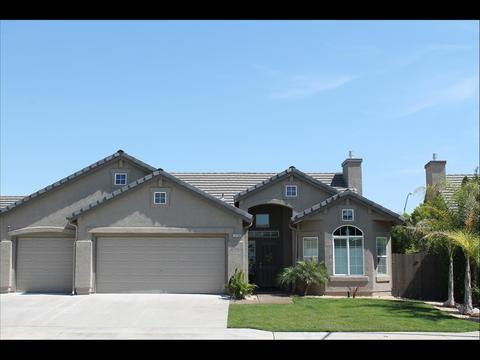 10736 N Bunkerhill Dr, Fresno, CA 93730