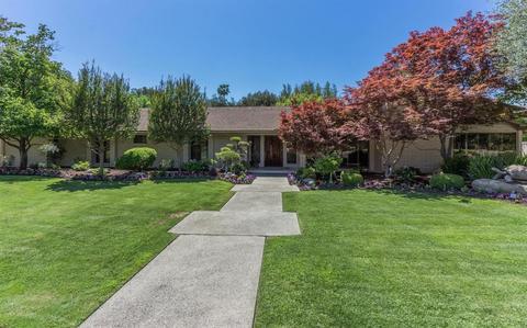 7587 N Laguna Vista Ave, Fresno, CA 93711