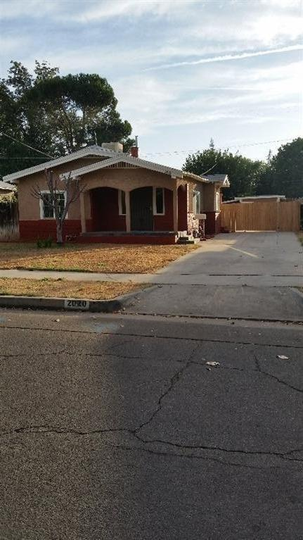 2020 N Arthur Ave, Fresno, CA 93705