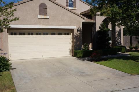 8361 N Saffron Ct, Fresno, CA 93720