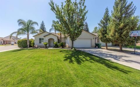 212 Willow Ct, Fowler, CA 93625