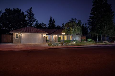 1678 E Niles Ave, Fresno, CA 93720