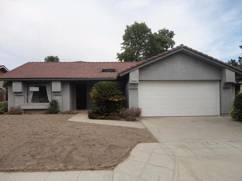 6556 N Tracy Ave, Fresno, CA 93722