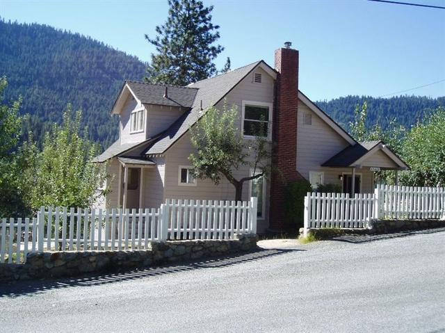 55408 Point Rd, Big Creek, CA 93605