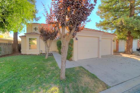 7543 N 9th St, Fresno, CA 93720