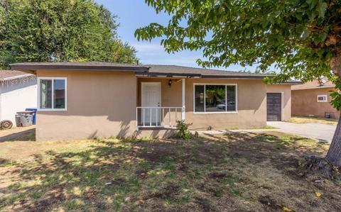 3853 E Clinton Ave, Fresno, CA 93703