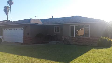 1435 S Rupert Ave, Reedley, CA 93654