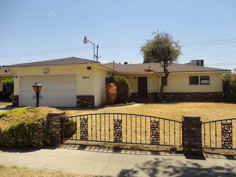 3944 E Farrin Ave, Fresno, CA 93726