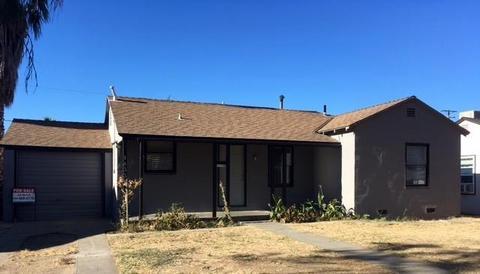 1433 W Fountain Way, Fresno, CA 93705