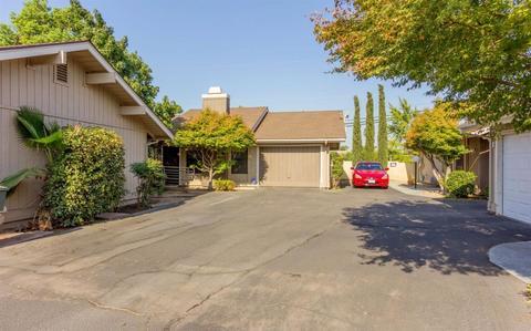 7579 N Anna St, Fresno, CA 93720