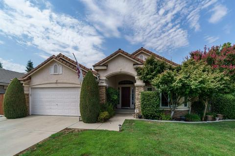 2972 E Solar Ave, Fresno, CA 93720