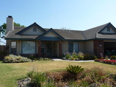 763 E Redwood St, Hanford, CA 93230