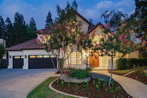 922 E Windsor Cir, Fresno, CA 93720