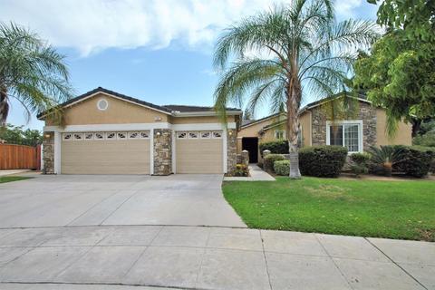 1991 Hanson Ave, Clovis, CA 93611
