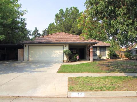 1104 Pistachio Ave, Clovis, CA 93611