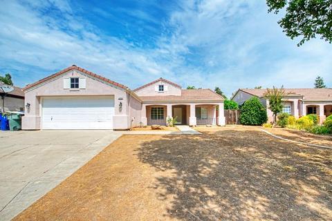 2420 E Fallbrook Ave, Fresno, CA 93720